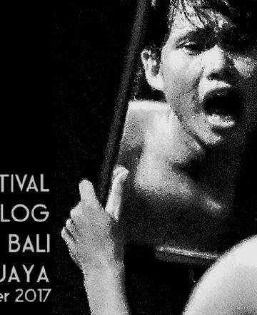 Pementasan monolog Komunitas Puntung Rokok Singaraja/ Foto: Mursal Buyung