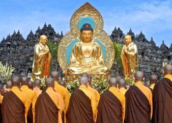 http://indonesiatrip.id/?package=open-trip-waisak-borobudur