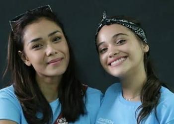 Adinia Wirasti dan Aurora Ribero, para pemeran film Susah Sinyal (Google)