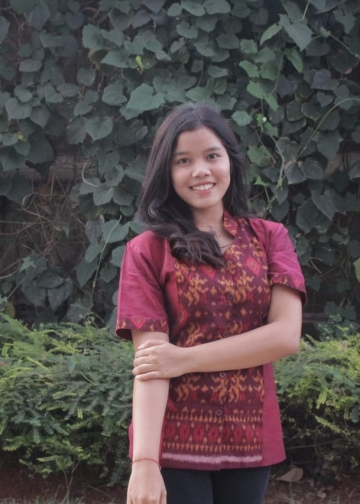 Penulis Ni Luh Putu Sukreni