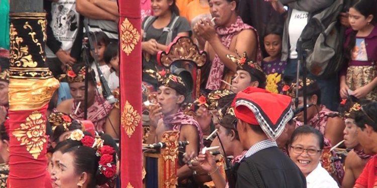 Janger Menyali saat pentas di Pesta Kesenian Bali 2017./ Foto-foto: Kardian Narayana