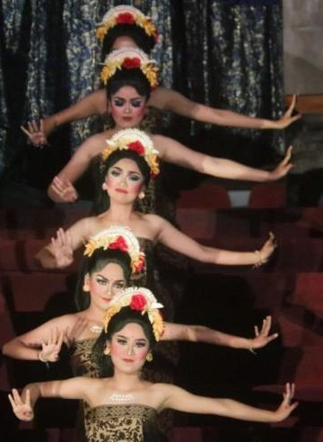 Haridwipa Group pentas dalam acara Bali Mandara Mahalango di Taman Budaya Denpasar, Rabu 9 Agustus 2017