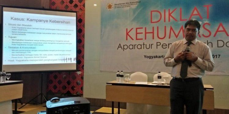 Diklat Kehumasan di Universitas Gadjah Mada (UGM), Yogyakarta pada tanggal 11-14 September 2017.