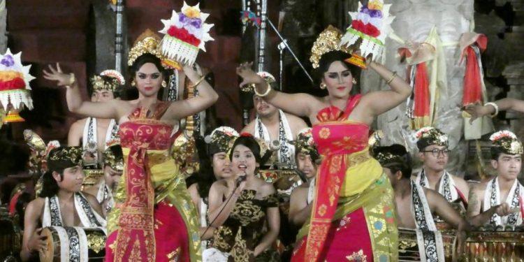 Pentas STIKOM Bali di Taman Budaya Denpasar