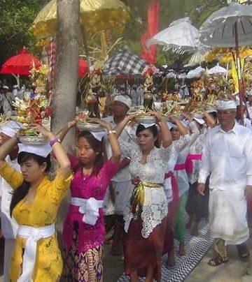 Bagian prosesi ritual Nyepi Segara di Nusa Penida