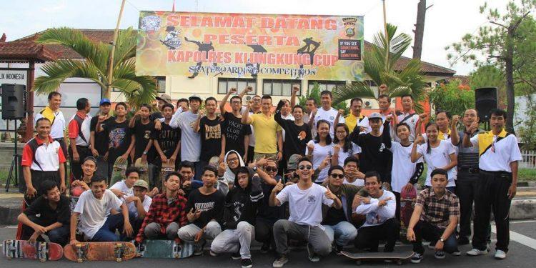 Para penggemar skateboard di Klungkung