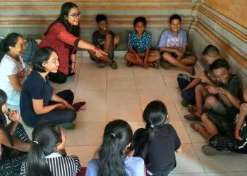Anak-anak, Puisi, dan Pengungsi