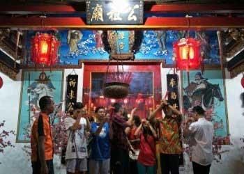 Imlek: Lamat-lamat Terdengar Suara Gamelan Bali dari Klenteng