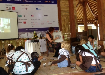 Anne Spudvilas di Ubud Writers and Readers Festival 2018