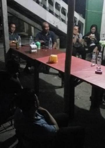 Diskusi hukum di kantin kampus Unipas Singaraja
