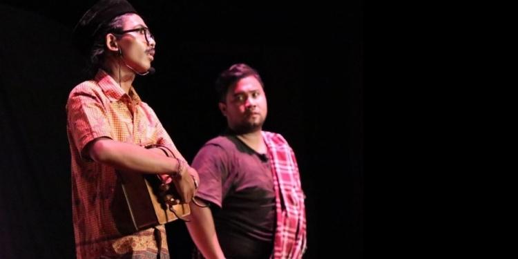 Satu adegan dalam pementasan teater Sang Guru oleh Komunitas Senja (Foto: Riyan Giggs Teater Sadewa)