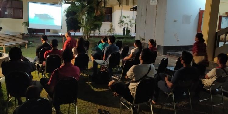 Nonton Film Seksy Killers bersama di Unipas Singaraja, Jumat 10 Mei 2019 malam