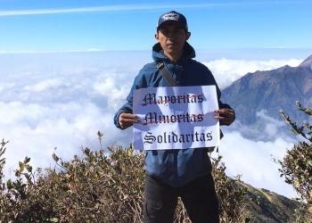 Penulis saat mendaki gunung