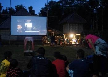 Pemutran film serangkaian workshop pembuatan film di Desa Pedawa, Banjar, Buleleng, Bali, 1-2 JUni 2019 (Foto: Dok Minikino)