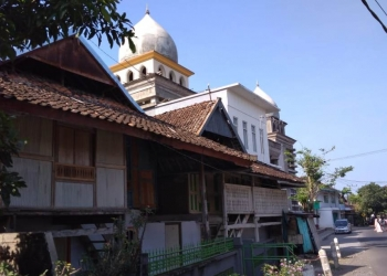 Rumah panggung di Kampung Loloan, Jembrana, Bali