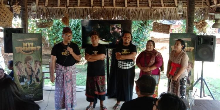 Celekontongmas the Movie. Jumpaers di Warung Celaki, Kesiman Denpasar