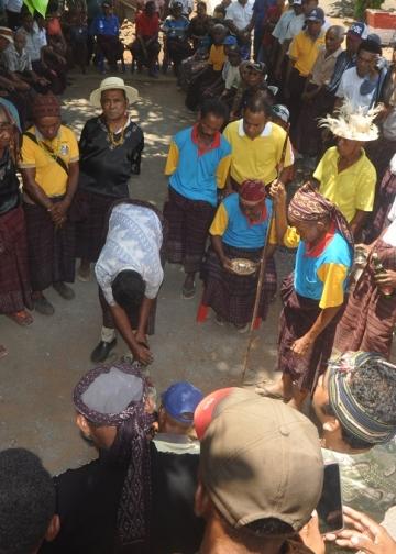 Suasana Damai Adat di Kampung Wailolong dan Lewotala, Flores Timur [Foto by Ama]